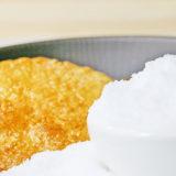 食塩とおせんべいの写真