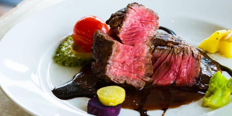 鉄分を多く含む赤身肉